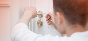 ¿Dónde contactar con un cerrajero a domicilio?