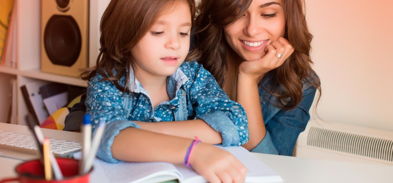 Sencillos trucos para conseguir que tus hijos hagan las tareas escolares